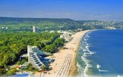 Ten Bulgarian beaches and one marina get Blue Flag label in 2016